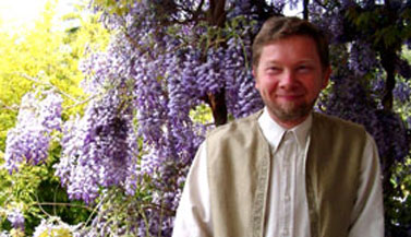 eckhart tolle, an inspiration to reach enlightenment by training our minds into higher consciousness